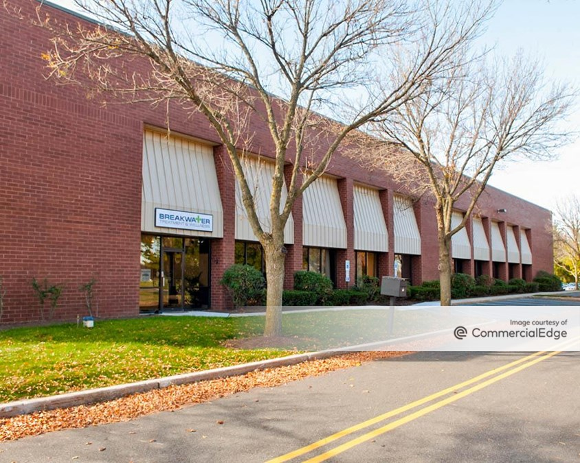 Eight-A Corporate Centre - 2 & 4 Corporate Drive