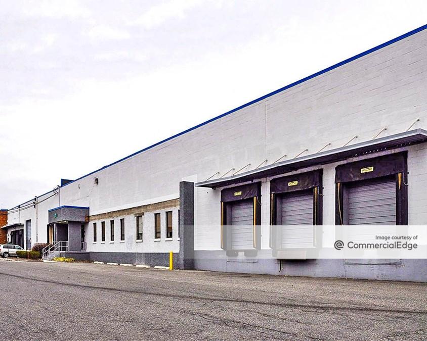 220-240 Anderson Avenue & 245 West Commercial Avenue