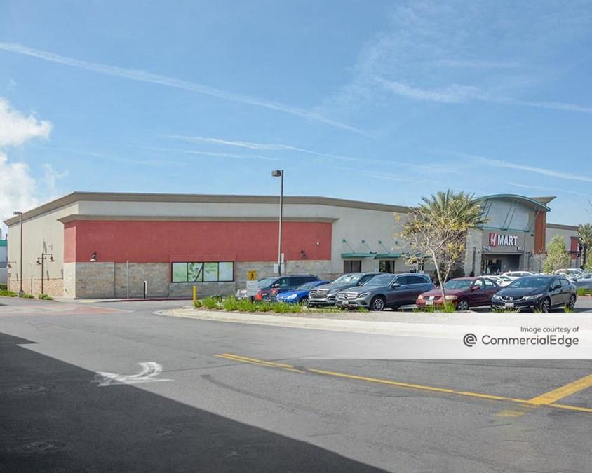 Diamond Jamboree Shopping Center
