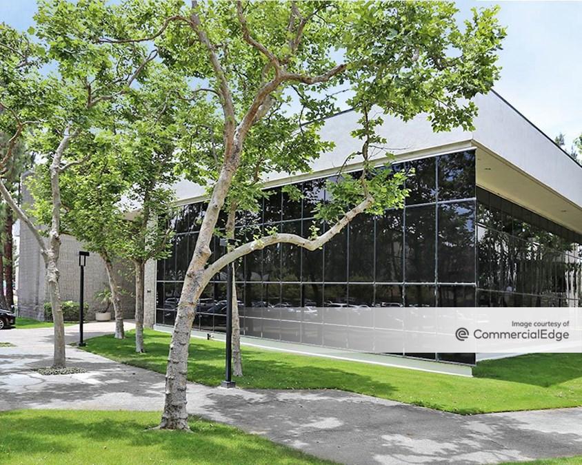 Water Gardens Business Center