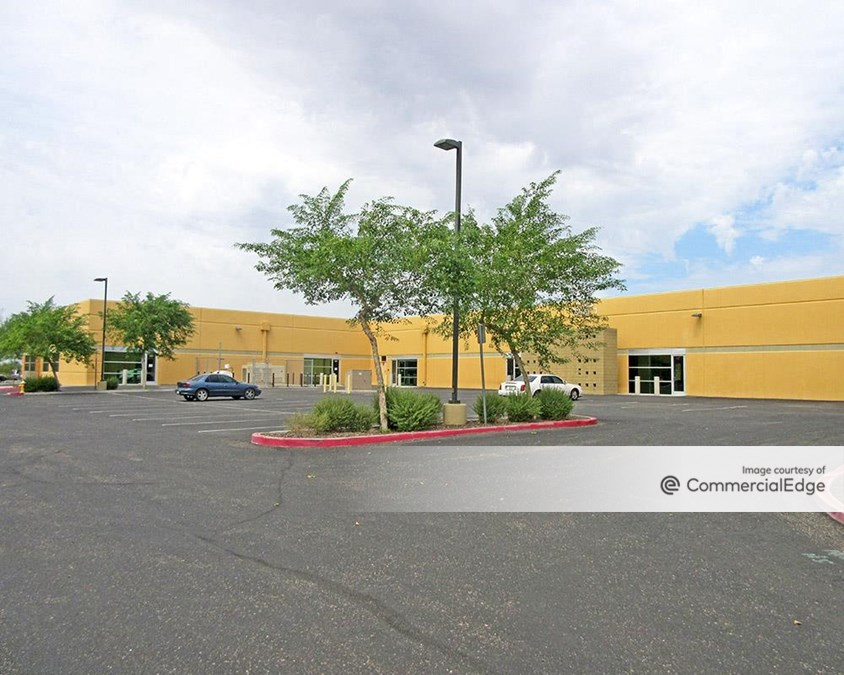 Pinnacle Park Business Center