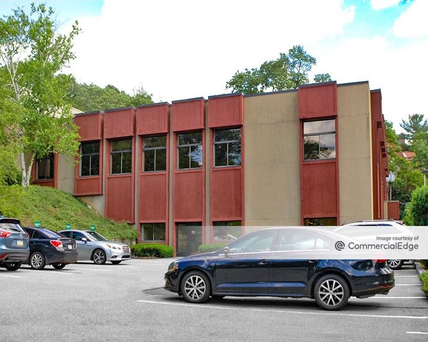 Brinton Executive Center