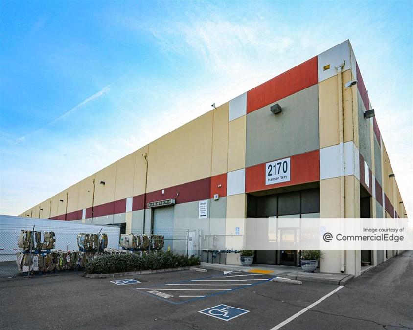 Distribution Warehouse W/Rail
