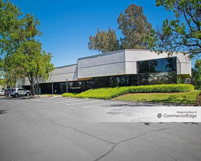 Roseville Commercial Center