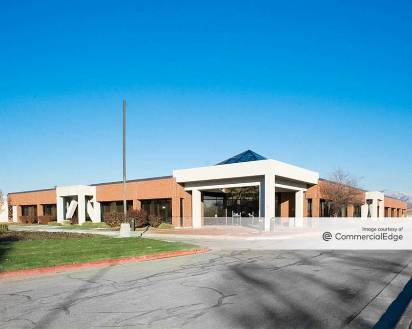 Decker Lake Office Campus - Building 4