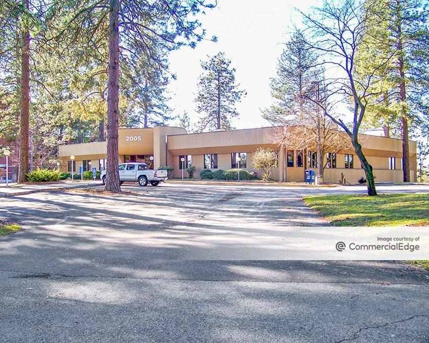Ironwood Business Park - 1118, 2005 & 2110 West Ironwood Dr & 2101 North Lakewood Dr