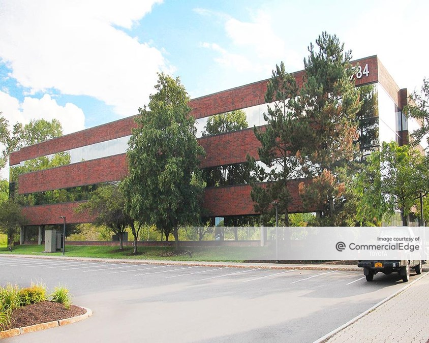 Widewaters Office Park - 5784 Widewaters Pkwy