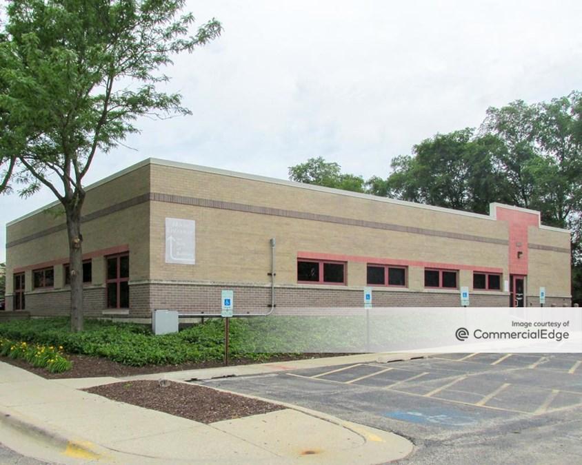 AMITA Health Alexian Brothers Medical Center Elk Grove Village - 701, 810 & 850 Biesterfield Road