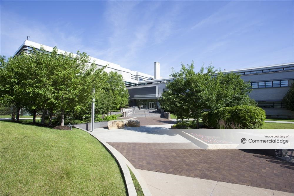 Illinois Science + Technology Park - 4901 Searle Pkwy