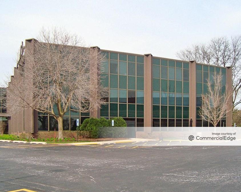 Oak Brook Commerce Center