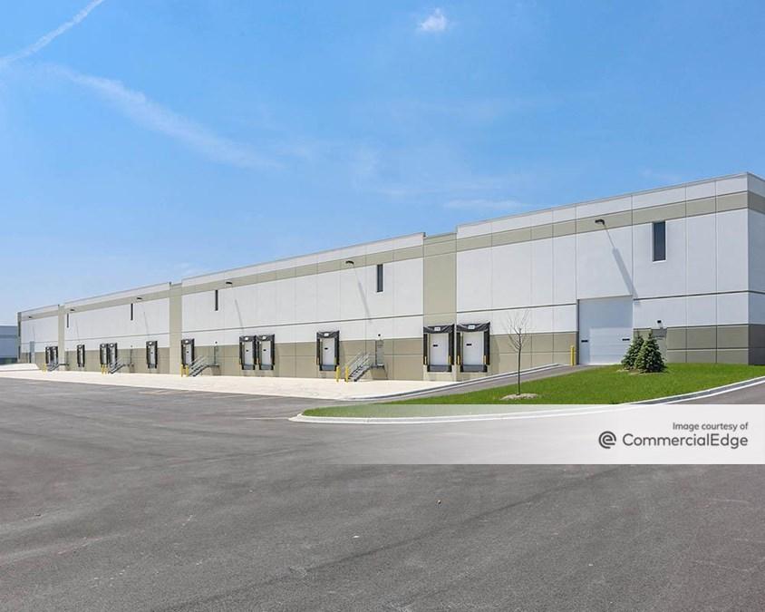 Pinnacle Business Center - 101 Paragon Drive