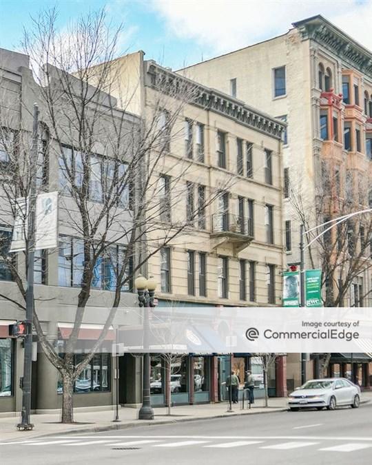 108 West Illinois Street & 500-508 North Clark Street