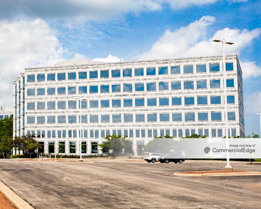 Corporate 500 Centre - 520 Lake Cook Road