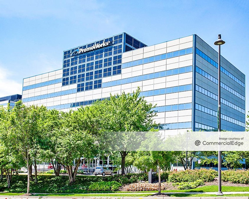 Woodfield Corporate Center - 300 North Martingale Road