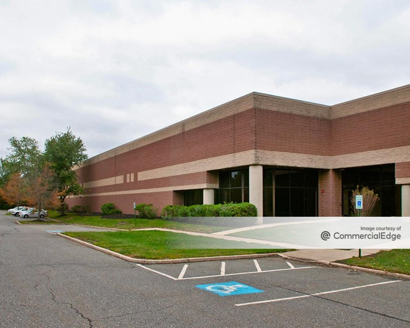 Forest Park Corporate Center - 1228 Forest Pkwy