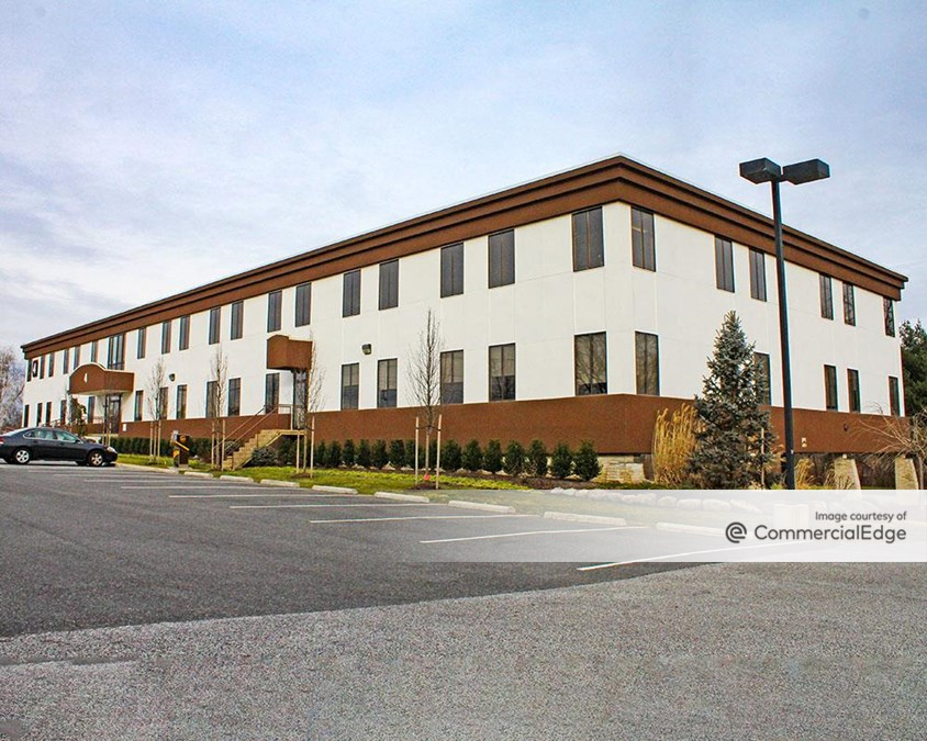 4 Executive Campus