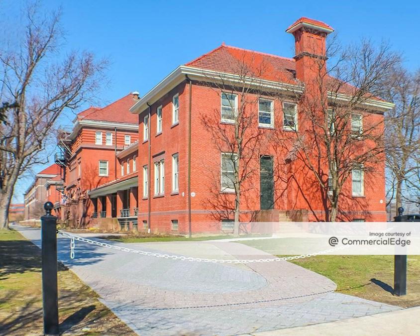 The Navy Yard Building 100 Innovation Center