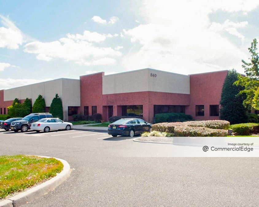 Moorestown West Corporate Center - 840 & 844 North Lenola Road