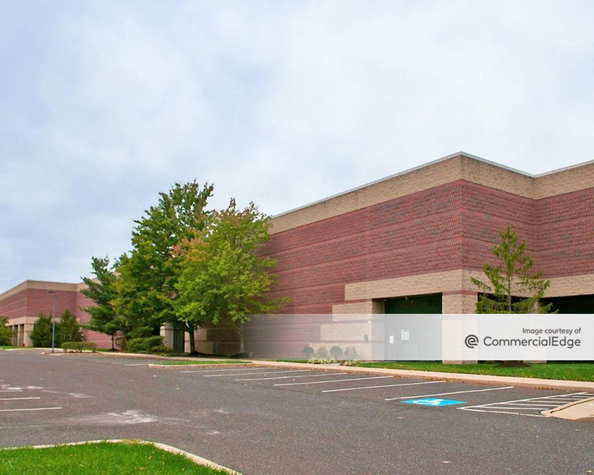 Forest Park Corporate Center - 1240 Forest Pkwy