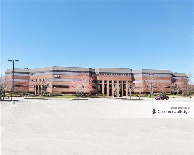 Five Greentree Center
