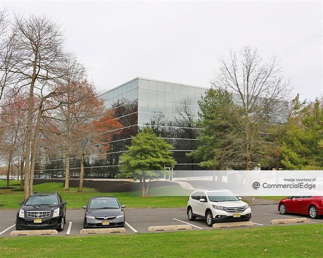 Laurel Corporate Center - 10000 Midlantic Drive