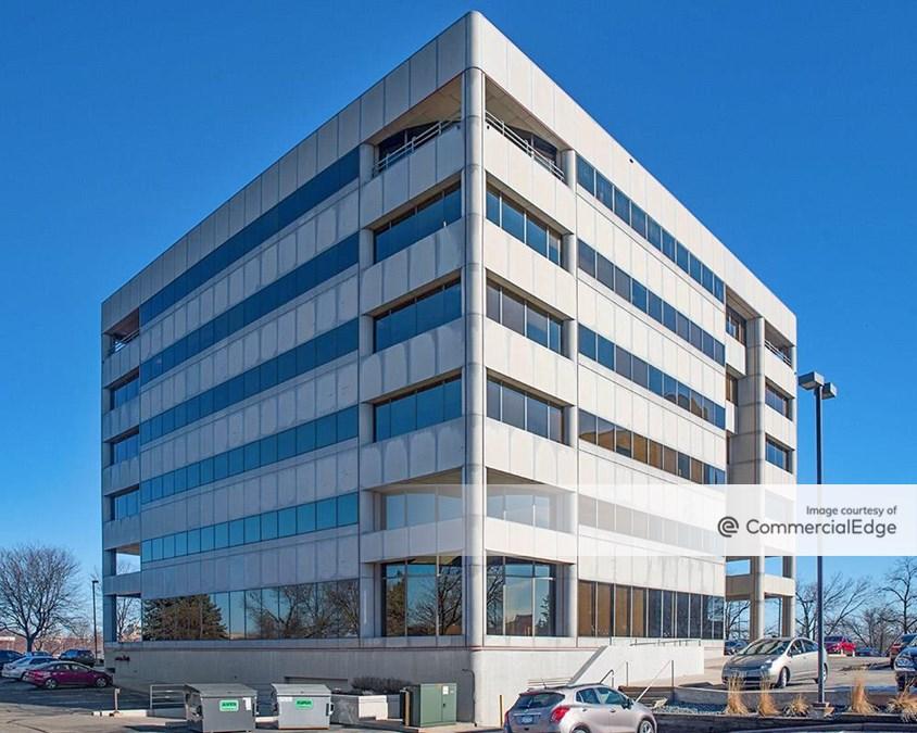 5151 Edina Industrial Blvd