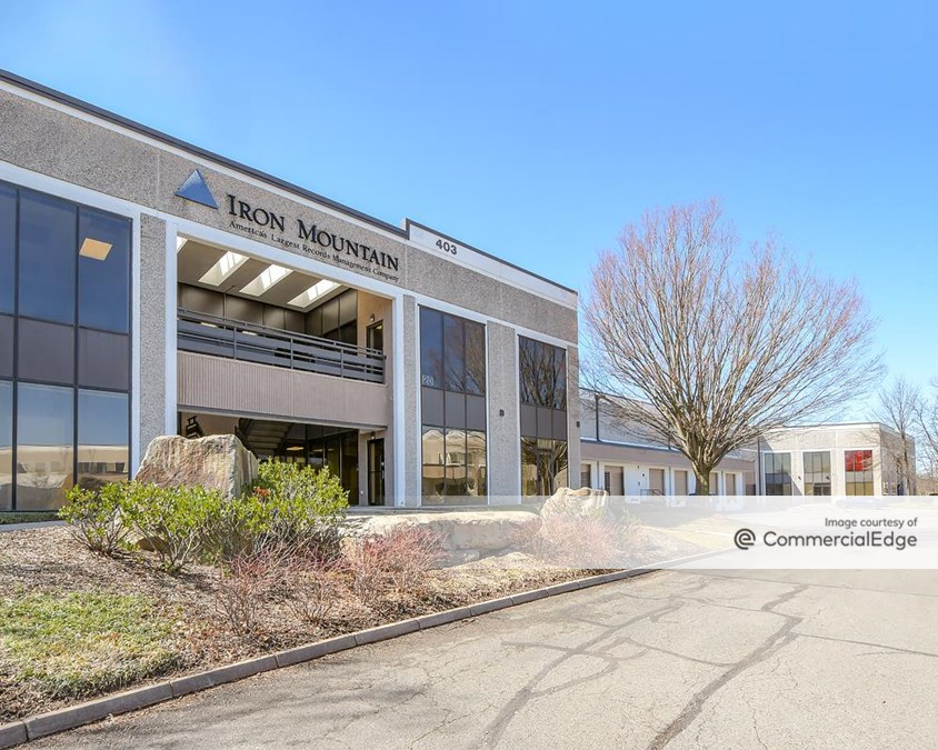 Sterling Park Business Center - 403 Glenn Drive