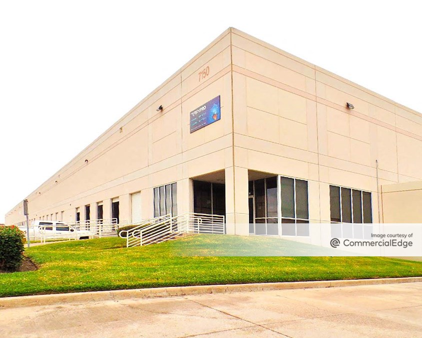 NW Distribution Center - 7150 Business Park Drive