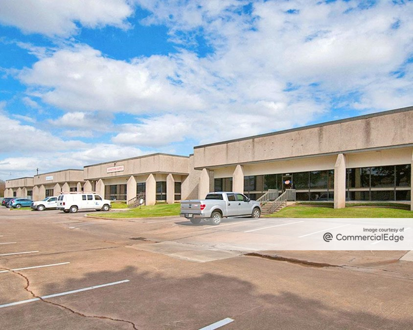 Southport Business Park - 5975-6049 South Loop East