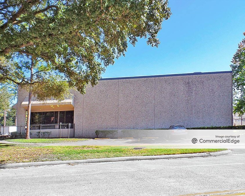 Pine Forest Business Park - 415, 425 Blueberry Street & 3900 Distribution Blvd