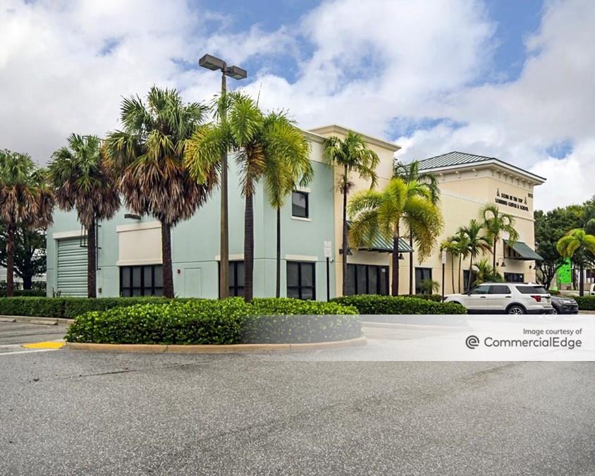 Gardens Commerce Center