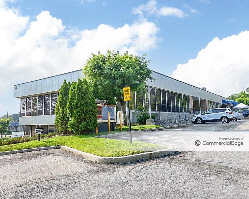 Cross Westchester Executive Park - 525 Executive Blvd