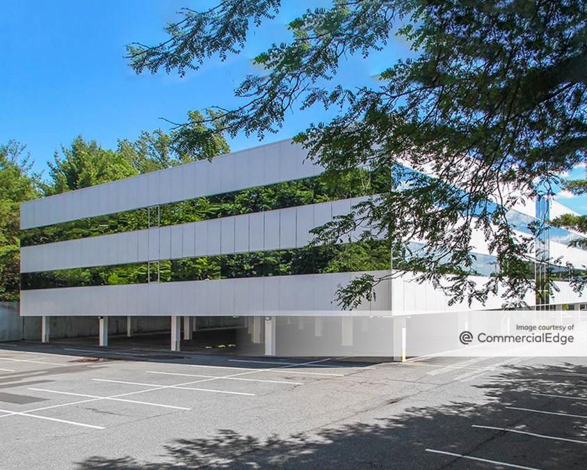 Mount Pleasant Corporate Center - 117 Stevens Avenue