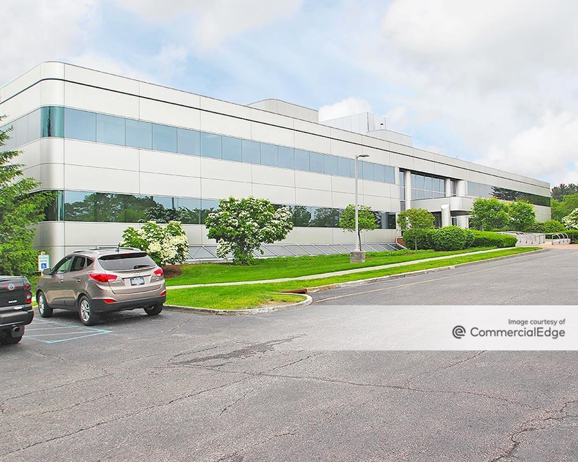 Northern Westchester Executive Park - 2649 Strang Blvd
