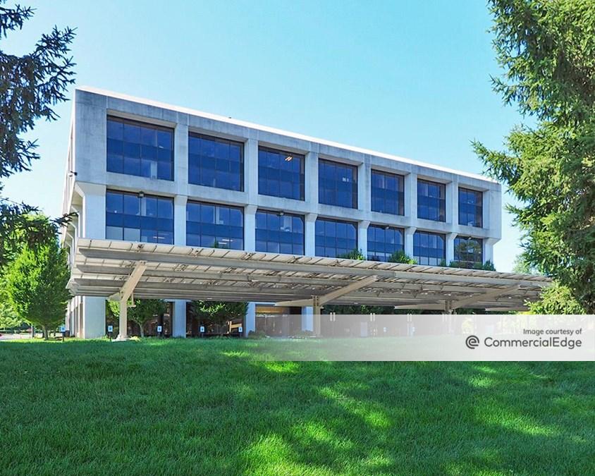 Tarrytown Corporate Center - 520 White Plains Road