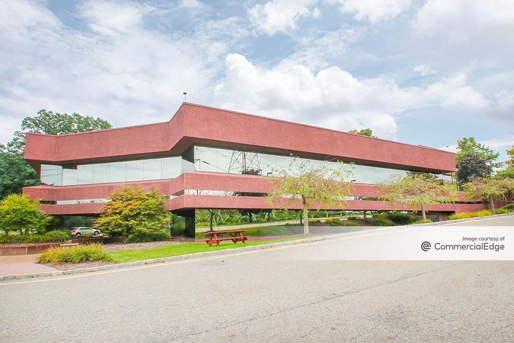 Mid-Westchester Executive Park - 2 & 4 Skyline Drive